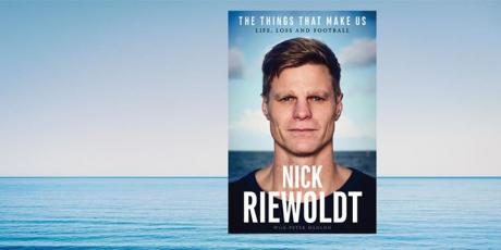 book-signing-the-things-that-make-us-nick-riewoldt-114814
